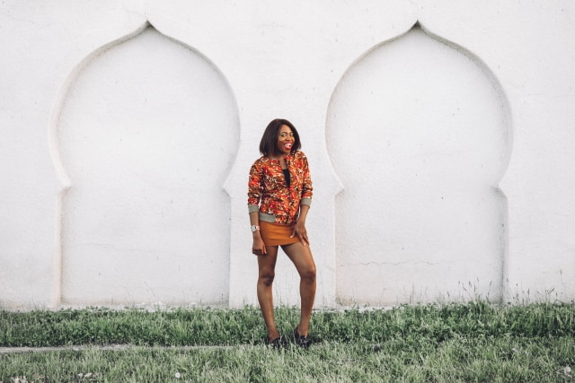 Can I have her entire look? Her African Print Bomber Jacket is a super stylish African print clothing. She wears it so well with that tan suede mini skirt and sexy flat bow flats. Ankara | Dutch wax | Kente | Kitenge | Dashiki | African print bomber jacket | African fashion | Ankara bomber jacket | African prints | Nigerian style | Ghanaian fashion | Senegal fashion | Kenya fashion | Nigerian fashion |