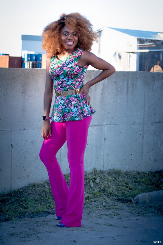 """Now, this is how you make a bold color statement! 🌈 Love how this melanin goddess nailed this bright pink outfit. From deep rich pink to floral green and hints of blue. With a subtle makeup and barely any jewelry, this look is the essence of """"let your outfit do the talking."""" I would wear this outfit any day. Color Pop: How to rock bold colors this season. #ootd #melanin"""