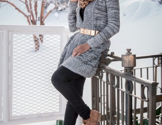Swooning over how she styled this open front cardigan. Ehe metal waist belt perfectly defines her waist. Winter fashion | Wrap-around sweater | Cold weather look | Fall style