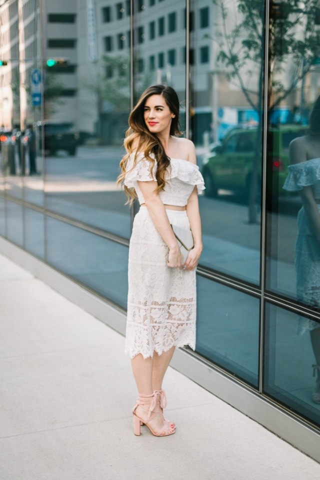 40+ Ways to Wear Off The Shoulder Top This Season | Get inspired on how to serve serious hotness in an off the shoulder top outfit for these stylish fashionistas. off the shoulder top, off the shoulder top outfit, off the shoulder top diy, off the shoulder top summer, off the shoulder top outfit casual, off the shoulder tops & dresses, off the shoulder tops, off The Shoulder Top sweaters.