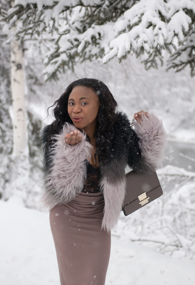 Chic fashionista and deal hunter, Louisa of La Passion Voutee rounds up the best Black Friday Sales of 2017! Find out how you can stretch your dollar to get everything on your list. Get the scoop!