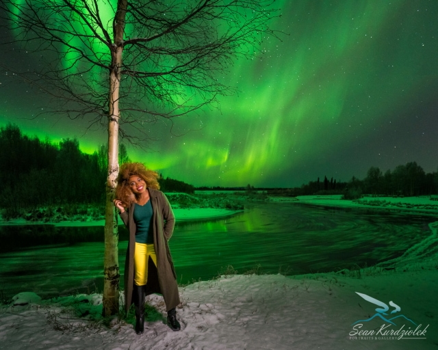 If you're exploring the possibilities of visiting the Last Frontier or the arctic to see the mesmerizing Northern Lights on a winter vacation, I've got your covered. I've rounded up 5 fun things to do in Fairbanks, Alaska that'll give you a bang for your money. Get ready for an adventure of a lifetime! Plus find out the essential must-haves to keep you warm in Alaska (packing list). #alaska travel guide, aurora borealis