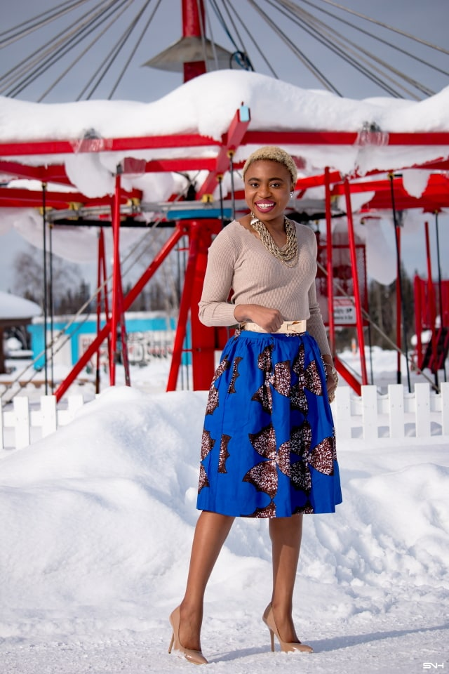 African print clothes got me feeling all excited. Louisa Moje, has come again with another fashionable look. She keeps it simple and classy with this elegant African print midi skirt by Yetunde Sarumi. This outfit can easily be transition to spring fashion and summer fashion. #ankara #africanprint #ankarafashion #springfashion