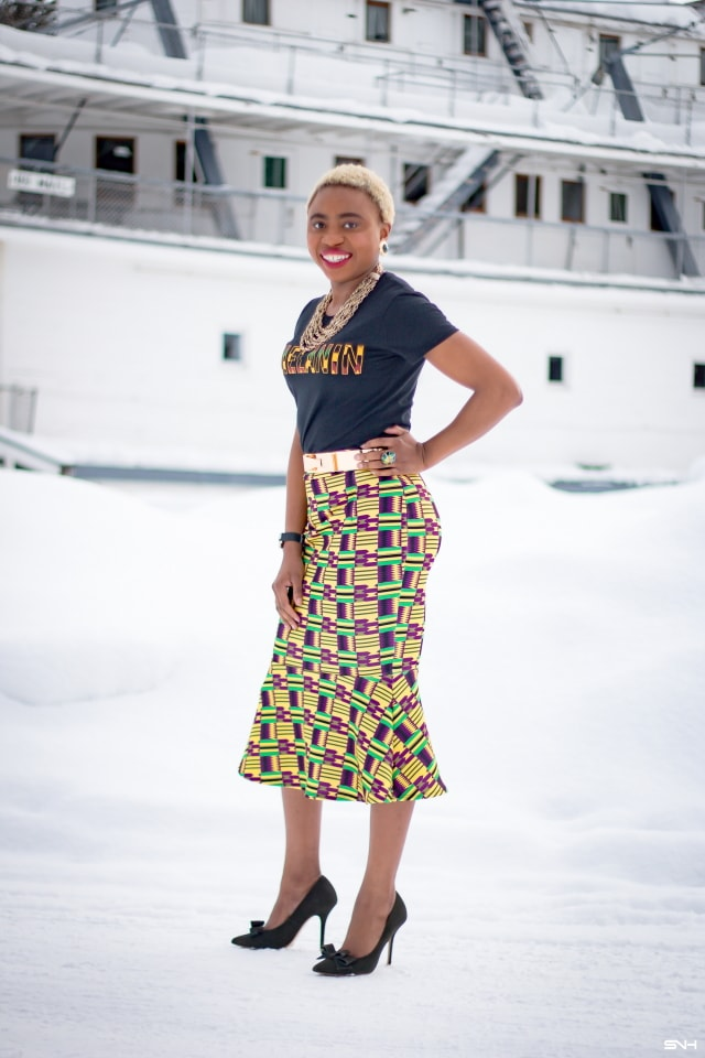 Finally found the perfect African print fashion. Simple, chic, vibrant and bold. This Kente mermaid pencil skirt has my name written on it. The stretchy, no-show new fabric used by this African print designer allows it conform to my curve. African print styles are definitely becoming popular in mainstream fashion and media. Love how she kept the look simple with that #melanin tee. #ankara #africanprint #ankarafashion #nigerian