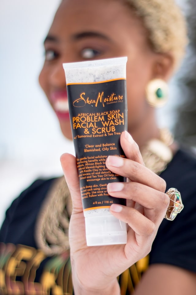 You've probably heard about the benefits of using African black soap. I was curious to find out if this soap was truly a natural skin cleanser perfect for all skin types in gentle exfoliation, anti-acne and blemish remover. I used SheaMoisture African Black Soap for over a month and the results were not what I expected. Here's a detailed review based on my experience using this wildly-acclaimed African black soap skincare product. skincare tips, beauty tips, makeup and beauty #skincare